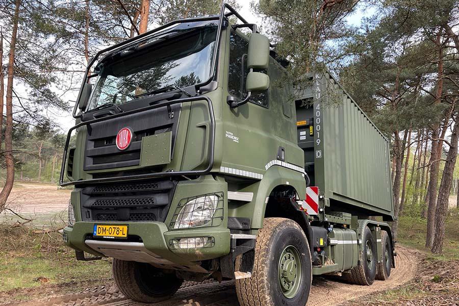 defensie tatra trucks